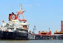Son dakika: Türk gemisine Yunan Sahil Güvenliği ateş açtı