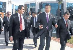 Kazak Büyükelçi'den Gediz'e Dubai övgüsü