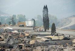 Binlerce insan orman yangınlarından kaçıyor