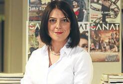 Gazeteci Filiz Aygündüz Çırağan'da kitabını okuyor