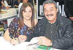 Aynur Tartan kitabı İnanır ile imzaladı