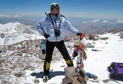 Everest'te kaybolan Türk profesörden haber var