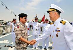 Son dakika... Ve Türk askeri sahne alıyor Türk savaş gemisi Katarda sahne alıyor...