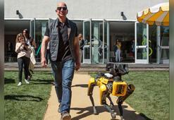 Jeff Bezos robot köpeğiyle yürüyüşe çıktı, sosyal medya karıştı