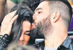 Arda, Aslıhanı öpücüklere boğdu