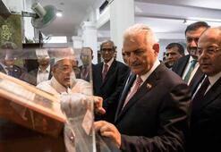 Başbakan Yıldırım, Singapurda tarihi Baalwie Camisini ziyaret etti
