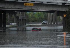 Son dakika haber... ABDde kasırga sonrası sel felaketi 40tan fazla botla arıyorlar