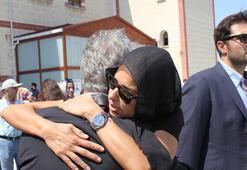 Vatan Şaşmazın cenazesine Dora Ercan da katıldı