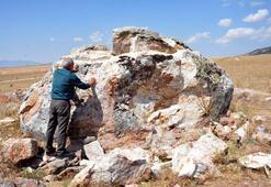 Hitit kaya anıtına defineci dinamiti