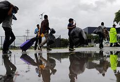 Floridada kırmızı alarm 7 milyon kişiye tahliye