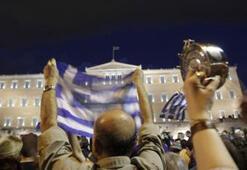 Yunanistan AB ile IMF kıskacı arasında kaldı