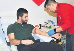 Arda Turan kanını bağışladı