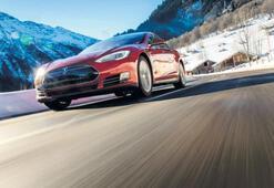 Tesla bir batarya ile süper otomobil yarattı