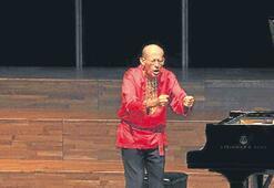 Şizofren müzisyen İzmir'i büyüledi