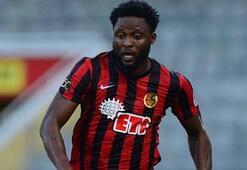 Beşiktaş Lawal transferini bitiriyor