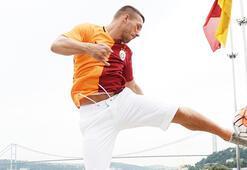 Galatasarayda 22 futbolcu gitti 8 transfer geldi