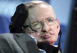 Stephen Hawking 76 yaşında yaşamını yitirdi