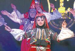Türkiye renklerini üç bin kişi alkışladı