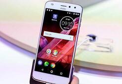 Lenovo: Motorola Moto Z serisi işten çıkarmalara rağmen iyi durumda