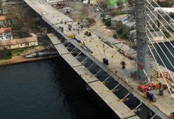 Metro Geçiş Köprüsü Tamamlanıyor