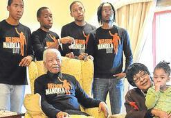 Elçiler toplandı Mandela'yı andı