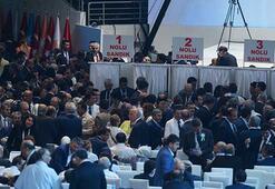 Davutoğlu, Ak Parti yönetimini yeniledi