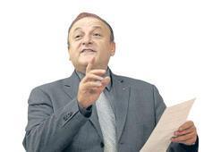 Saray, parti yönetimine el koymuştur