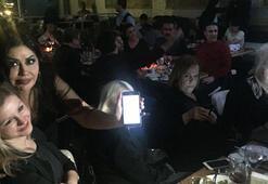 Konserinde SMS ile bağış topladı