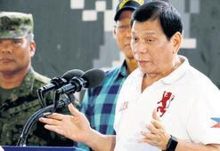 Duterte 'rakiplerini öldürttü iddiası'