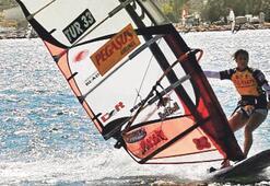 Alaçatı'da windsurf şenliği