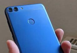 Huawei, uygun fiyatlı akıllı telefonu P Smartı Türkiyede satışa sundu