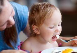 Çocukların ebeveynleri gibi beslenmesi daha sağlıklı