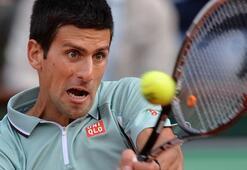Djokovic ecel terleri döktü