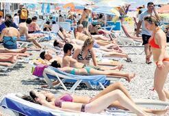Akdeniz ve Ege sahilleri renklendi