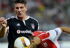 Beşiktaştan Mario Gomeze izin yok