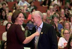 İşçi Partisi'nde liderlik yarışını Corbyn kazandı