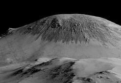 Marsta sıvı halde su bulundu Google Marsı Doodle yaptı