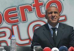 Roberto Carlos, Sivasspor ile 2 yıllık sözleşme imzaladı