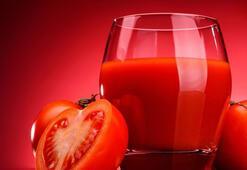 Yenileyici domates detoksu