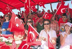 İzmir'de kırmızı coşku