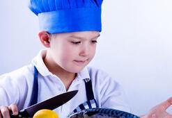 Çocuğunuza bol bol balık yedirin