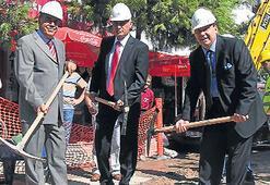 Alsancak'ta 2. etap doğalgaza ilk kazma