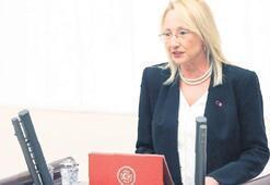 İki bakanın yemini tartışıldı