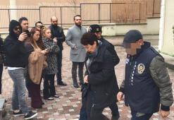 Şarkıcı Ece Seçkinin annesine gaspçı dehşeti... Şüphelilerin adliyeye götürülüşünü böyle izledi