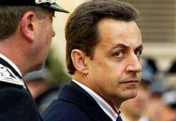 Sarkozy, senatoda darbe yedi