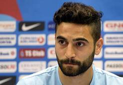 Futbolcular Mehmet Ekici'den yana…