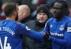 Everton taraftarından Allardycea Cenk Tosun tepkisi