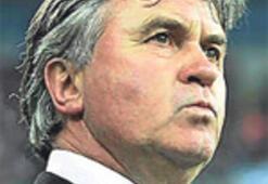 Futbolumuzun dökülen halleri ve Hiddink