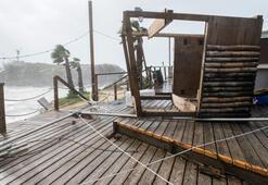 Nicole Kasırgası Bermudayı vurdu