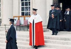 Cambridge Üniversitesi: Oxford'dan kaçanlar kurdu